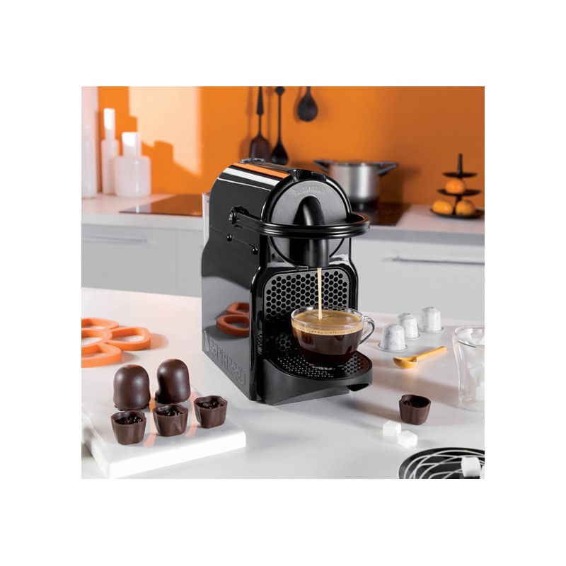 cafeti re nespresso inissia cafeti re capsule de chez. Black Bedroom Furniture Sets. Home Design Ideas